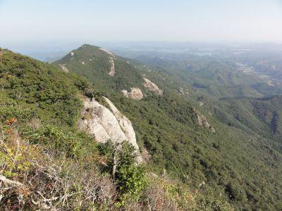 遠見岳を望む