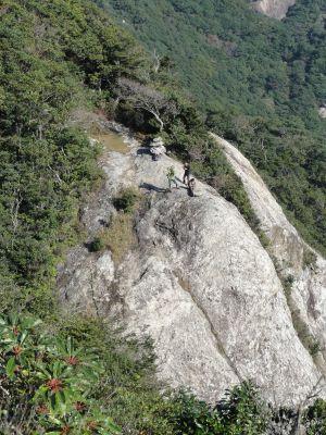 岩のテラス
