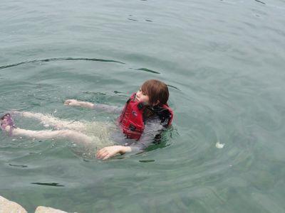 泳ぐIさん