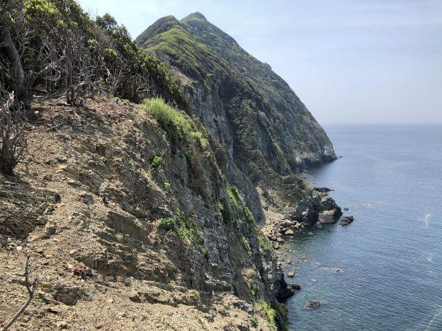神崎半島の断崖絶壁