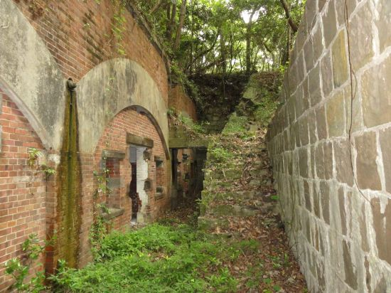 芋崎砲台への道12