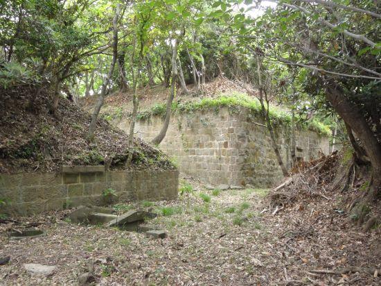 芋崎砲台への道06